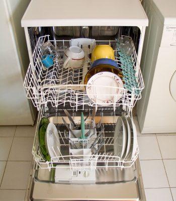 Что делать если посудомоечная машина не сушит посуду