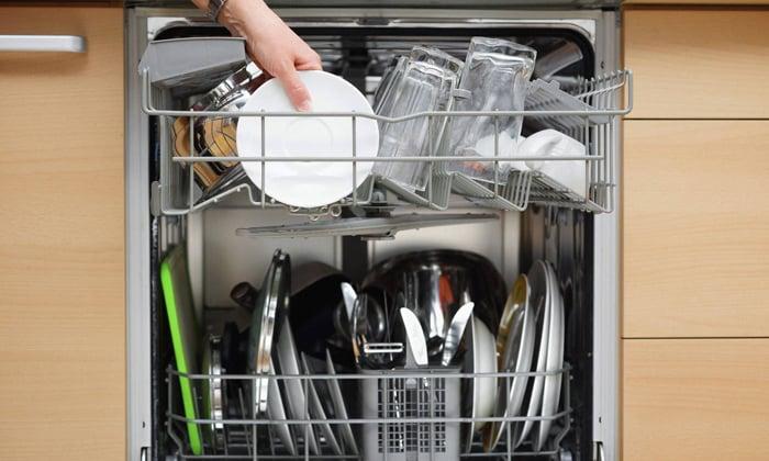 Белый налёт на посуде
