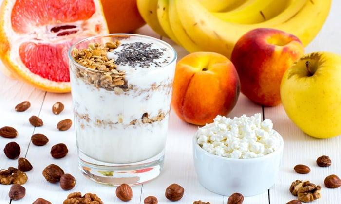 йогурт фрукты