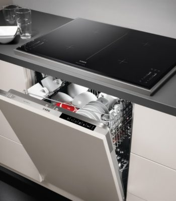 Как установить посудомоечную машину под варочной панелью