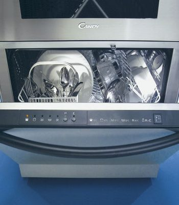 Что делать, если посудомоечная машина не сливает воду