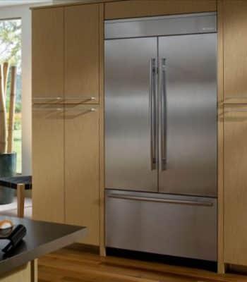 Где лучше и как правильно установить встроенный холодильник