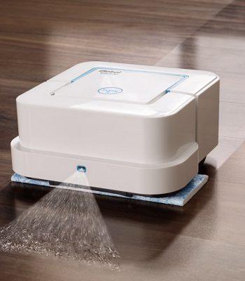 Робот-пылесос с функцией влажной уборки