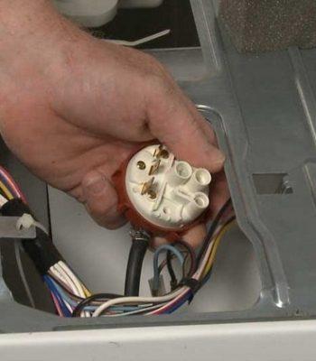 Как настроить датчик уровня воды в стиральной машине