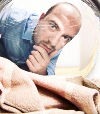 Почему стиральная машина останавливается во время стирки