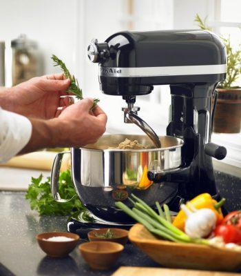 Выбор лучших кухонных комбайнов для замеса теста