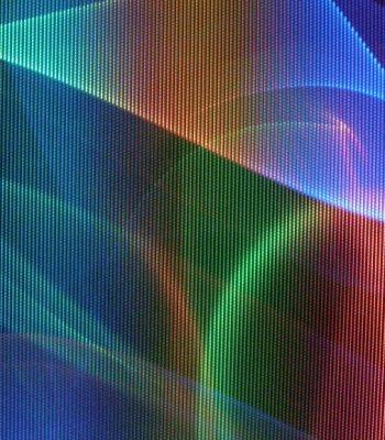 Как самостоятельно устранить цветные пятна на телевизоре