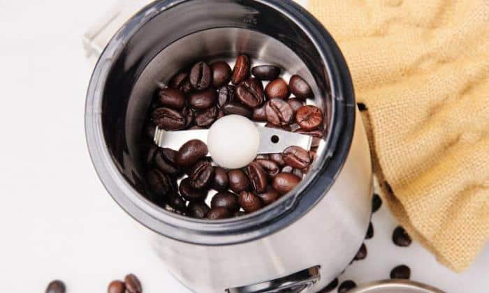 Электрическая жерновая кофемолка