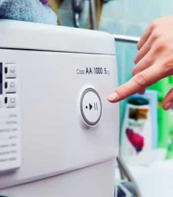 Почему стиральная машина выбивает автомат во время стирки