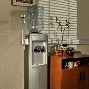 Как выбрать напольный кулер для воды с охлаждением и нагревом